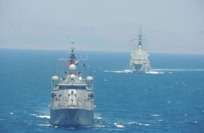 الغارديان: اليونان تعد للحرب مع تركيا وسط توتر في علاقات أنقرة مع واشنطن