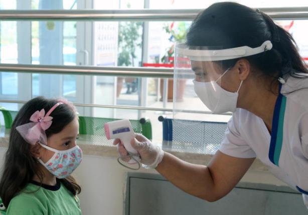 هل يعتبر فتح المدارس سببا رئيسيا وراء الارتفاع الكبير في أعداد الإصابات بفيروس كورونا؟