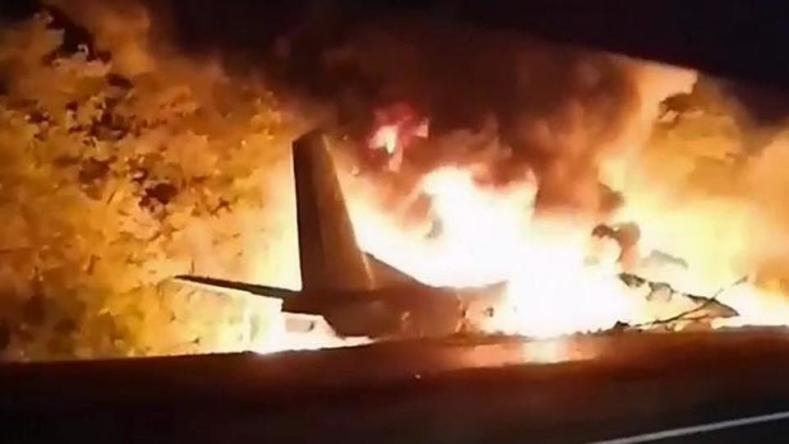 تحطم طائرة عسكرية أوكرانية ومقتل 22 شخصا