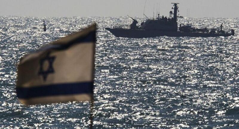 البحرية الإسرائيلية تنشر سلاحاً جديداً على السياج البحري شمال قطاع غزة