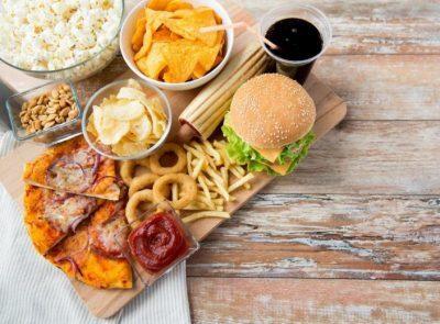 أسوأ الأطعمة التي تدمر مناعة الجسم