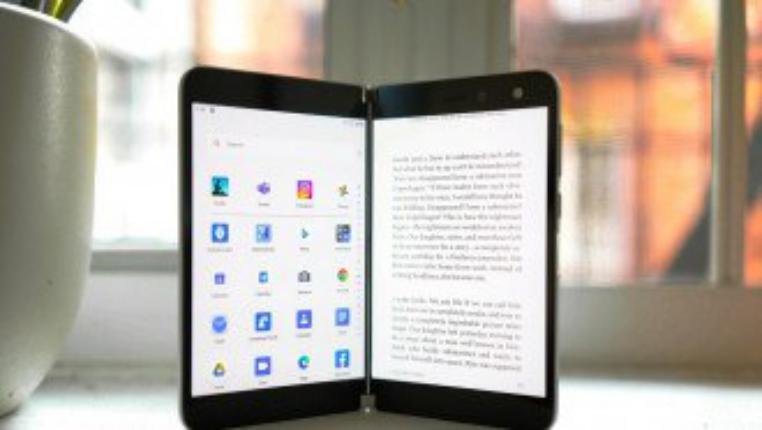 تعرف على أبرز عيوب هاتف Surface Duo القابل للطي من مايكروسوفت