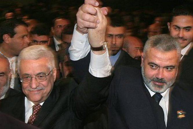الكشف عن تفاصيل اتصال هاتفي بين الرئيس أبو مازن وهنية