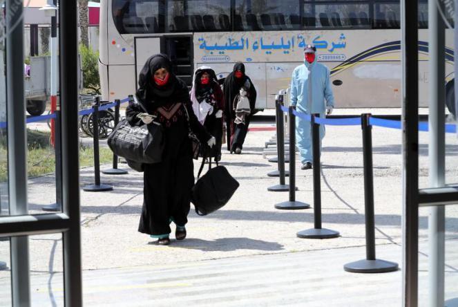 """طالع أسماء """"التنسيقات المصرية"""" المسافرين عبر معبر رفح لـ """"يوم الإثنين"""" القادم"""