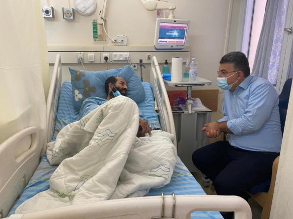 الأسير الأخرس يصر على معركته لليوم 91 على التوالي وسط الاعتداء على عائلته