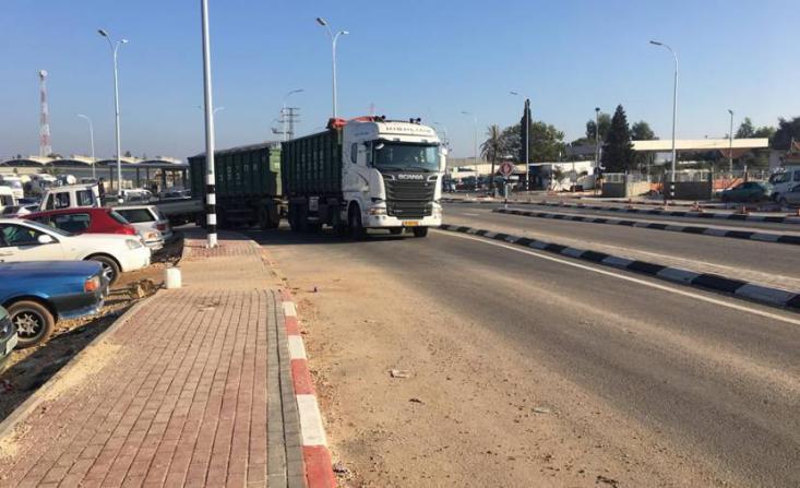 جنين.. نقابة عمال النقل تطالب بمنع دخول الشاحنات الإسرائيلية للمناطق الفلسطينية