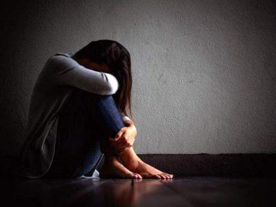 ضبطها في أحضان العشيق.. تقتل زوجها خوفًا من الفضيحة وتتهم اللصوص