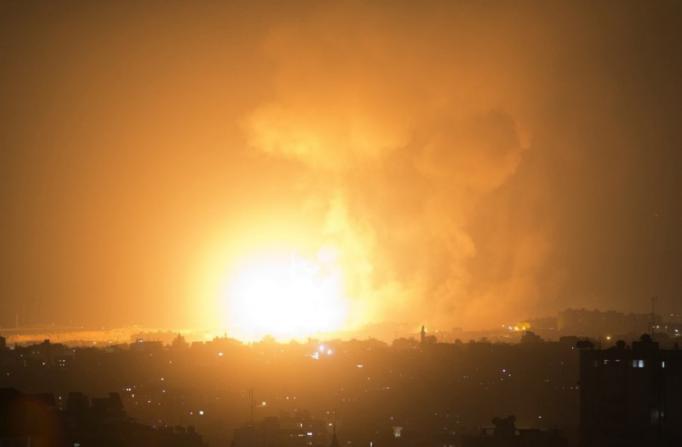 أول تعقيب من حركة حماس على القصف الإسرائيلي بغزة اليوم