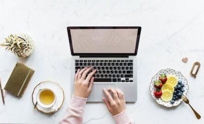 أفكار لتبدأ مشروعك الخاص من المنزل.. أكثر مجالات العمل الحر ربحا على الإنترنت