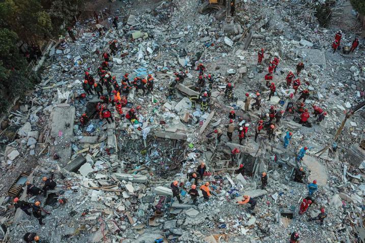 صور زلزال ولاية إزمير غرب تركيا