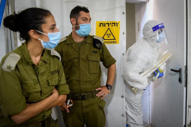 """الجيش الإسرائيلي يعلن إصابة 1425 جنديا بـ """"كورونا"""""""