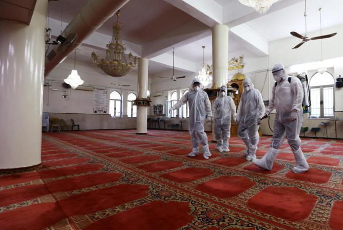 غزة.. إغلاق 4 مساجد وسط وجنوب القطاع لعدم التزام المواطنين بإجراءات الوقاية