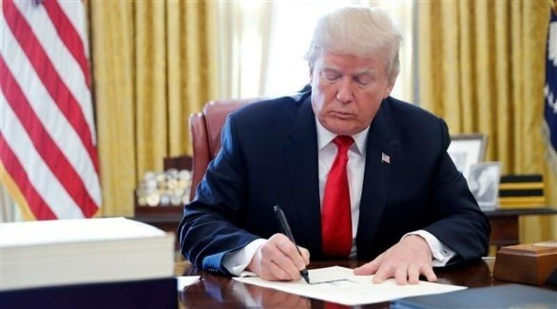 """البيت الأبيض: الرئيس الأمريكي يوقع قرار رفع السودان من """"قائمة الإرهاب"""""""
