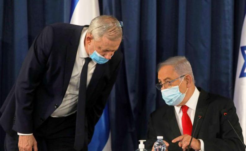 """هل ينفذ """"ازرق ابيض"""" تهديداته ضد نتنياهو اليوم؟ مهلته لليكود تنتهي مساء السبت"""