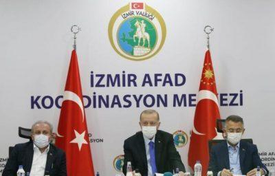 الرئيس التركي يتفقد منطقة الزلزال في إزمير وارتفاع عدد الضحايا إلى 39 قتيلا