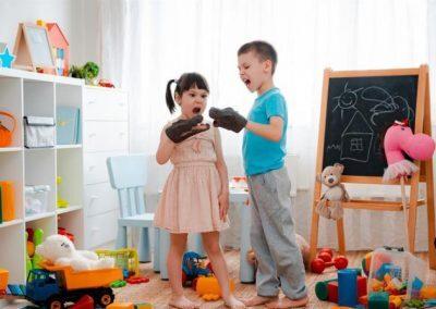 كيف يمكن التعامل مع عدوانية الطفل خلال الحجر المنزلي؟