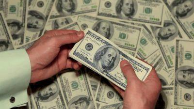 أسرار يومية للنجاح.. هذا ما يفعله الأغنياء في وقت الفراغ