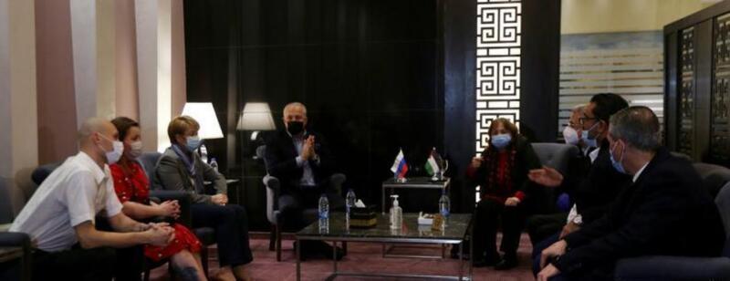 """الصحة الفلسطينية تستقبل وفدا طبيا روسيا متخصصا بعلاج مرضى """"كورونا"""""""