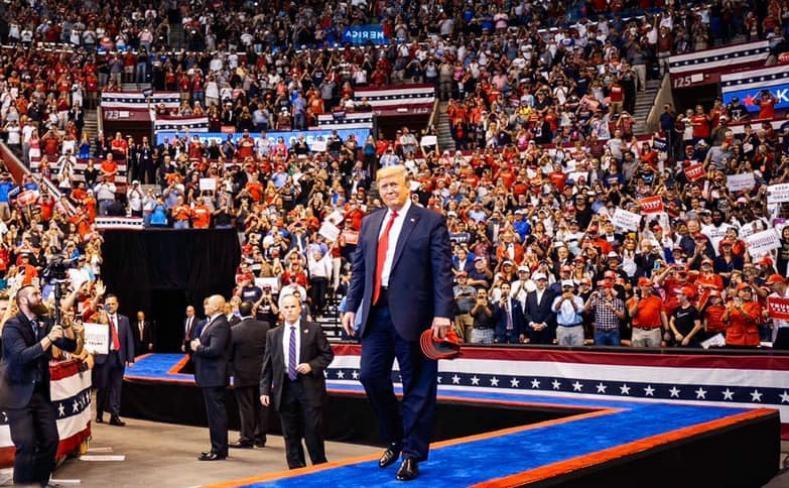 قبل مغادرته.. ترامب يدرس ضرب إيران وحلفائها في العراق