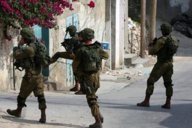 جيش الاحتلال يشن حملة اعتقالات في الضفة الغربية