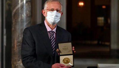 """خشية كورونا.. الفائزون بـ""""نوبل"""" يتسلمون الجوائز في البيت"""
