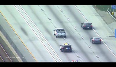 فيديو اليوم - مطاردة مثيرة بین سائق شاحنة والشرطة الأمريكية