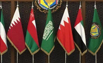 ملك السعودية يوجه دعوة إلى أمير قطر لحضور القمة الخليجية