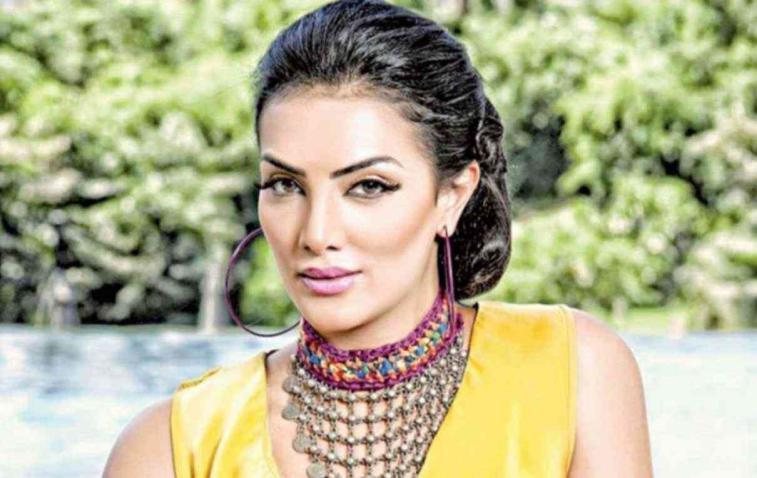 حورية فرغلي: كنت ملكة جمال مصر 2002 ومش محتاجة تجميل (فيديو)
