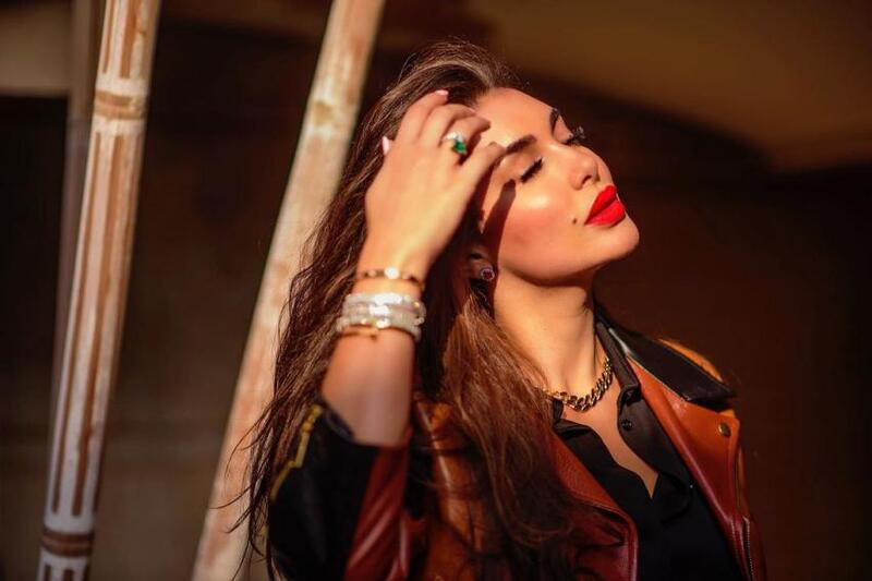 محطات ياسمين صبري.. أول ظهورها كانت محجبة واعتذرت للجمهور لهذا السبب (شاهد)