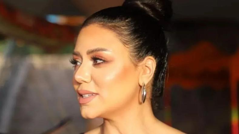 رانيا يوسف تخطف الأنظار بإطلالة كاجوال (شاهد)