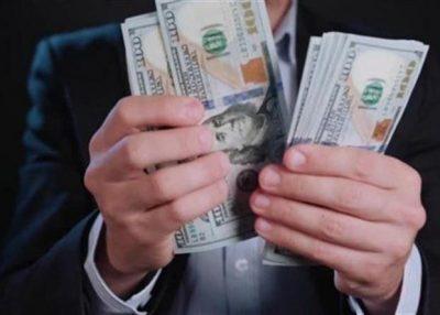 """""""المنحوس"""" يتخلص من قرص تخزين عليه ملايين الدولارات"""