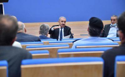 اشتية يبلغ وزير المالية بتحضير كل القضايا المتعلقة برواتب غزة