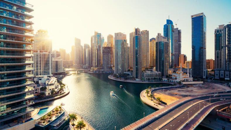 الإمارات تعلن عن تعديلات قانونية تجيز منح الجنسية