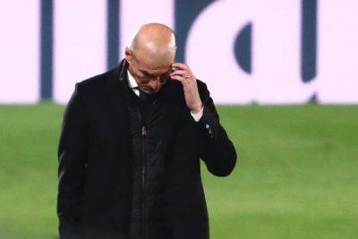 نجوم ريال مدريد يرفضون إقالة زيدان