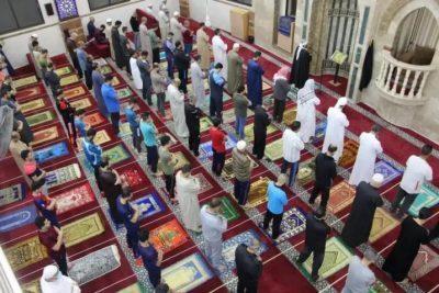أوقاف غزة: إعادة فتح المساجد ابتداءً من فجر الأحد