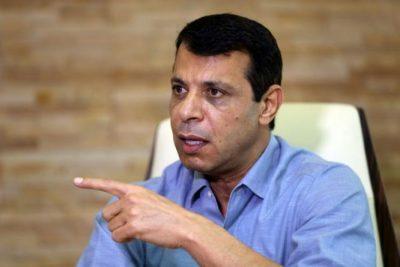 صحيفة: دحلان بدأ بضخ الأموال في المناطق المهمشة نحو سباقه للانتخابات