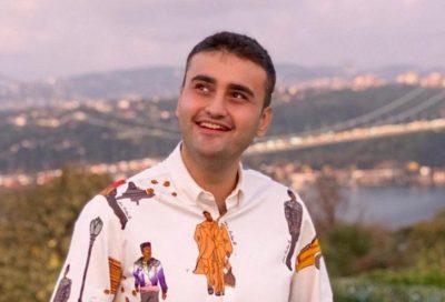 """شاهد اليوم .. لحظة سقوط """"الشيف بوراك"""" في البحر أثناء فيديو إعلاني طريف"""