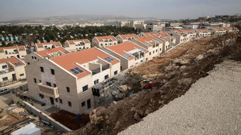 تقرير: نتنياهو يعطي الضوء الأخضر للشروع بأخطر مشروع استيطاني بمنطقة (E1)