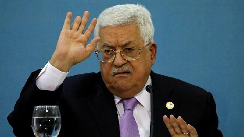 الرئيس محمود عباس يوجه رسالة ل عساف: