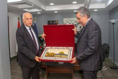 اتحاد الكرة الفلسطيني يبحث مع نظيره المصري التعاون المشترك