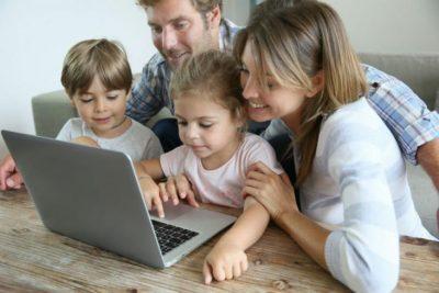 إليكِ 3 قواعد لاستخدام الأطفال منصات التواصل الاجتماعي