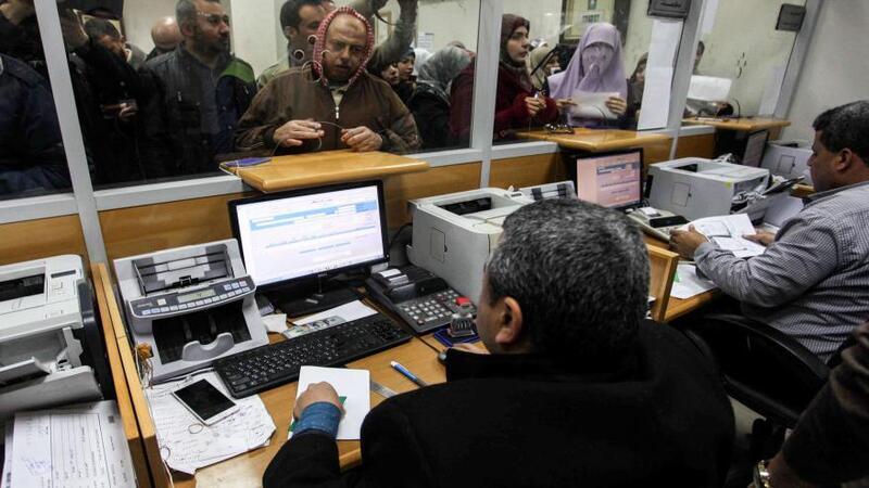 عكيلة يوضح آلية صرف دفعة المستحقات لموظفي غزة
