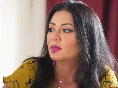 """""""رانيا يوسف"""" تُشعل مواقع التواصل بتاتو على الكتف بإطلالة جريئة"""