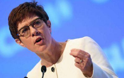 """وزيرة الدفاع الألمانية: """"المرأة تجعل جيشنا أقوى"""""""