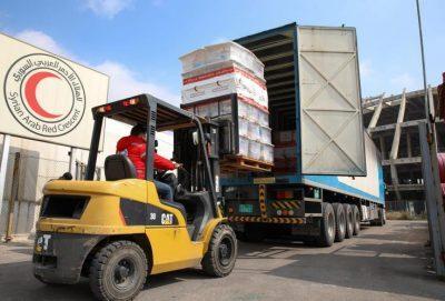 500 سلة غذائية تم توزيعها بدعم من الهلال الأحمر الإماراتي