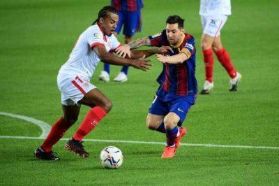 برشلونة يحلم بريمونتادا أمام إشبيلية لإنقاذ موسمه