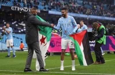 شاهد.. محرز يرفع علم فلسطين باحتفالات مانشستر سيتي بلقب الدوري