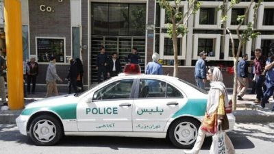 إيران تعتقل مواطن صيني نشر صورا لنساء على شبكة الانترنت