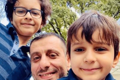 وفاة طبيب فلسطيني وأسرته داخل شقتهم في المجر في حادثة مؤلمة (شاهد)