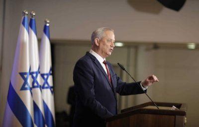 """غانتس: """"إسرائيل"""" مستعدة لشن هجوم في إيران"""